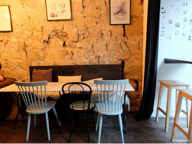 déco chiné mur pierre bar à cocktails Avek rue saint-sauveur Paris 2ème,  rue saint-sauveur nouveau quartier bars restos branchés cool Paris ThatsMee.fr