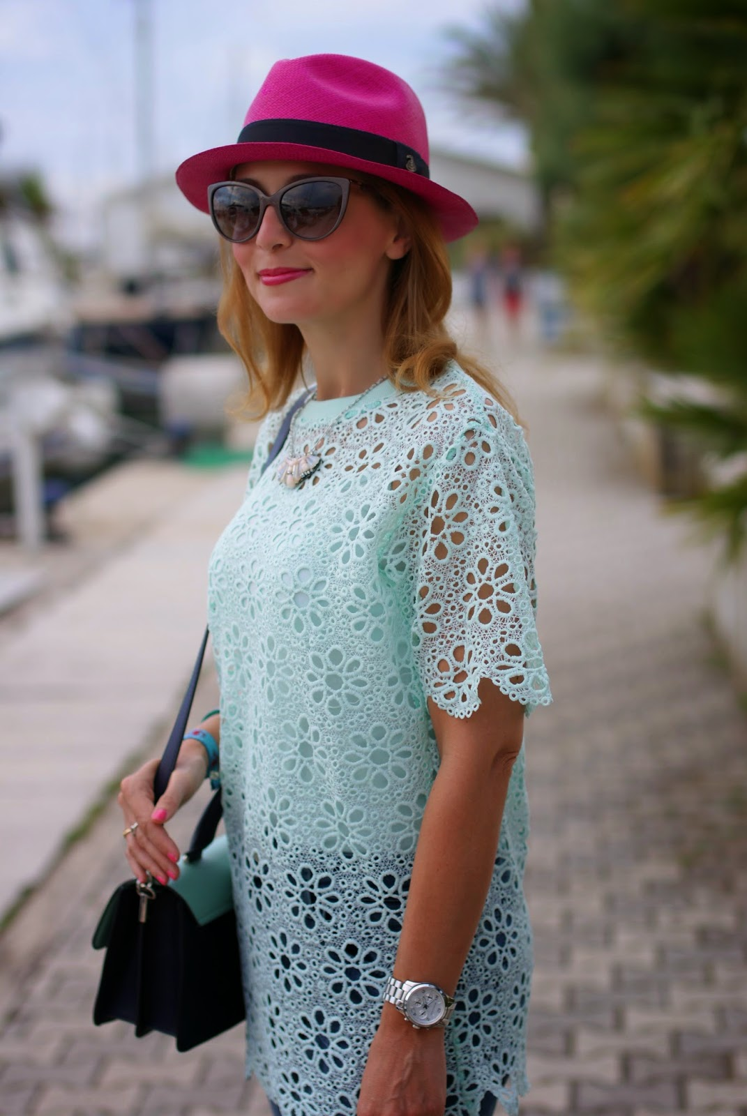 Chicwish mint green crochet top, ecua-andino fuchsia hat, Fashion and Cookies, fashion blogger