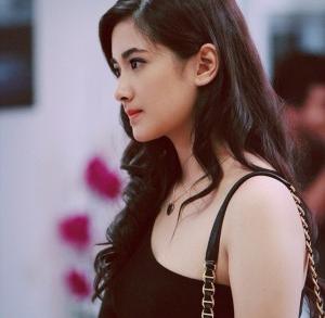 Nadya Arina