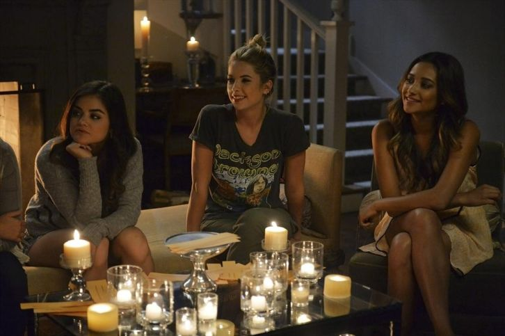 Pretty Little Liars - We Love You to DeAth (Halloween Special) - Press Release + Promotional Photos