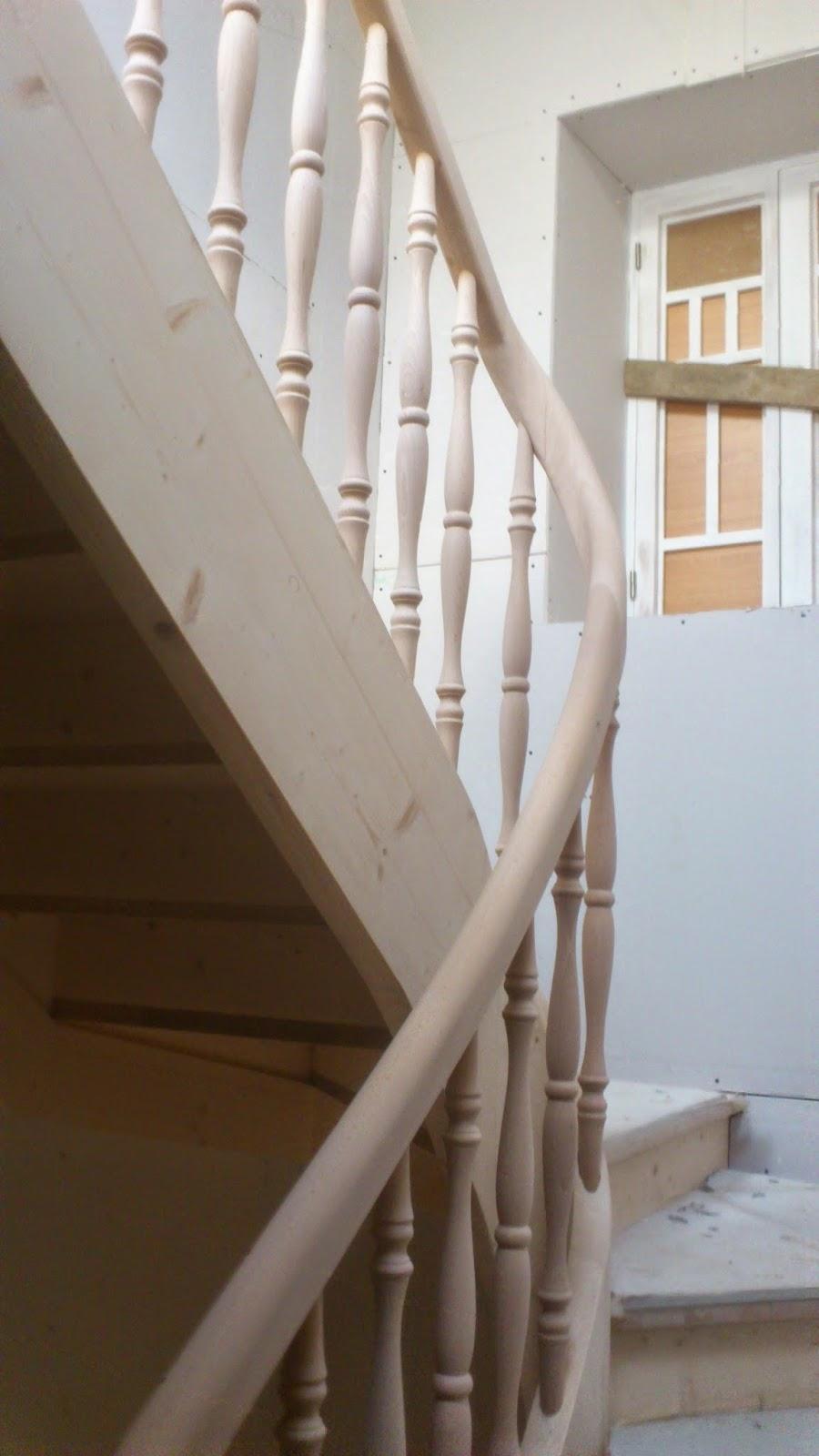 Escaleras y pasamanos escaleras de madera con zanca y - Pasamanos de madera para escaleras ...