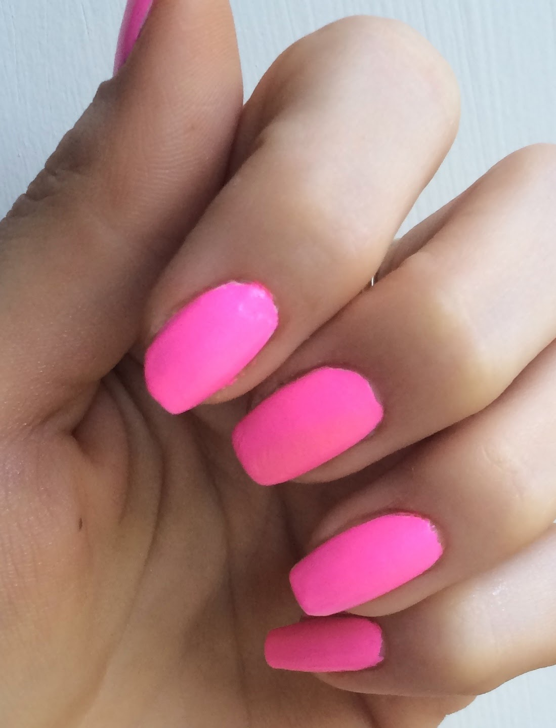 models-own-polish-for-tans-sun-hat-swatch-on-nails