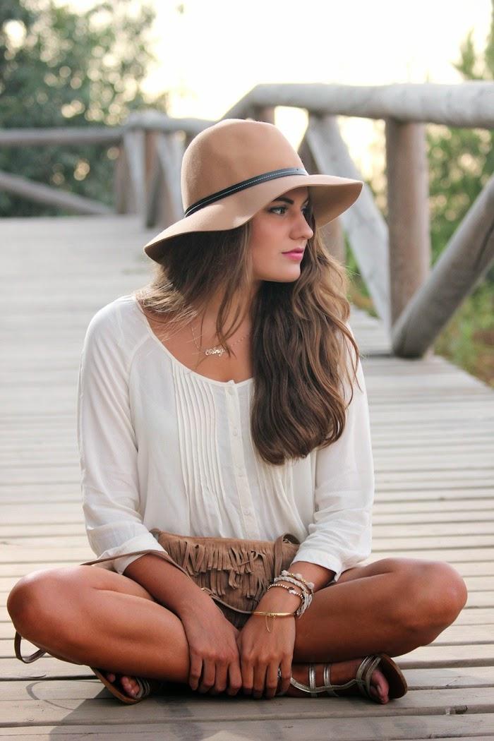 estilo_style_boho_chic_look_streetstyle_stradivarius_otoño_sombrero_hat_bolso_bag_flecos_angicupcakes01