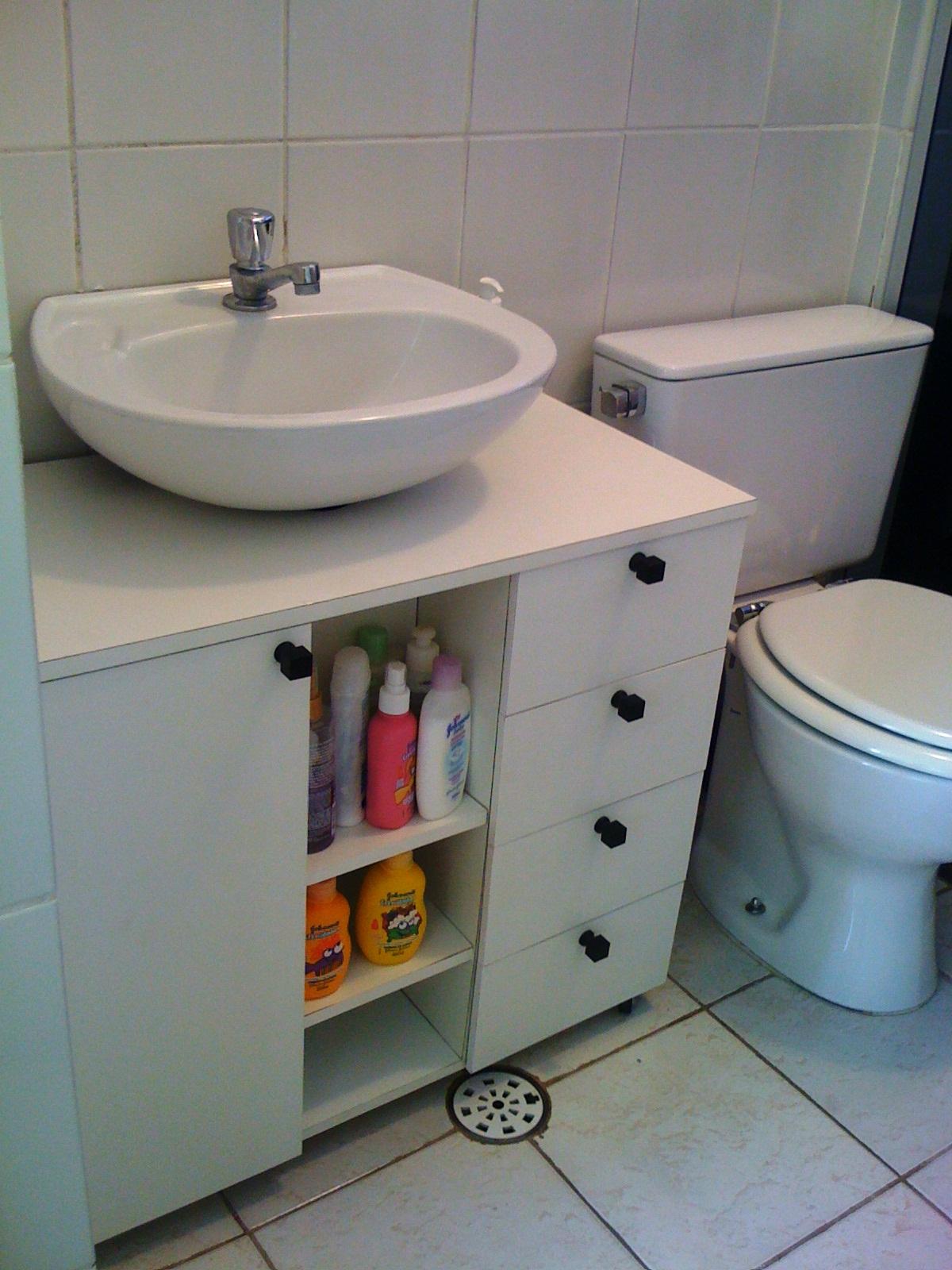 Download armário banheiro com rodizios 100 % compensado revestido em  #763D2A 1200x1600 Acessorios Para Banheiro Curitiba