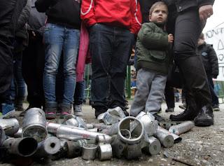 Μη με κοιτάτε Φοβάμαι ... Οι συγκλονιστικές μαρτυρίες των παιδιών στην Ιερισσό για την βία των μπάτσων