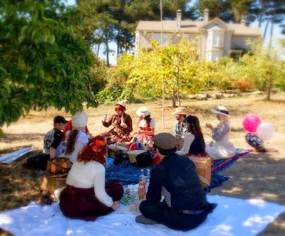country lolita picnic meet up