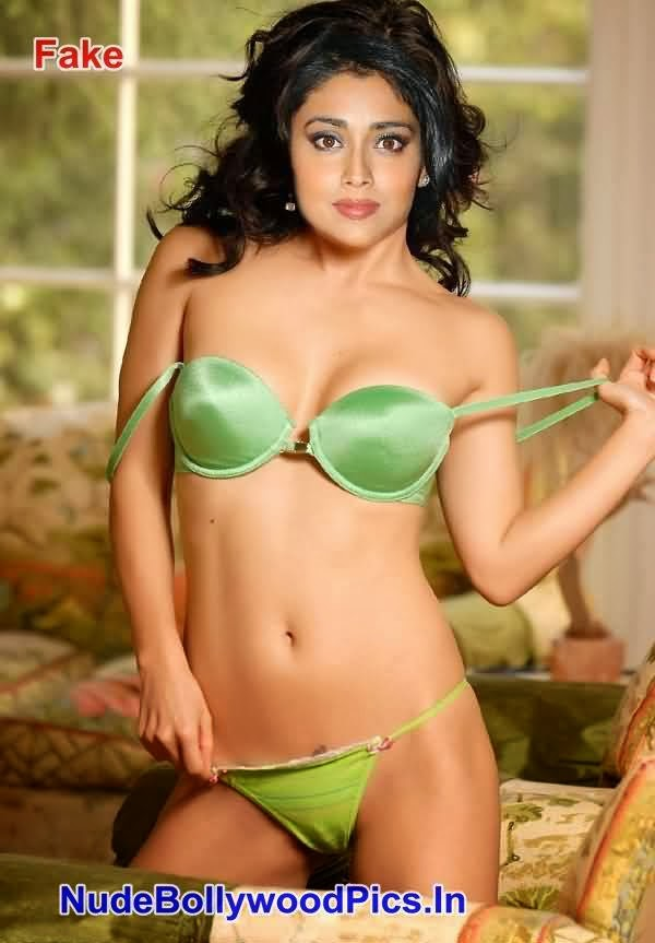 saran nude 5 shriya saran in green bra amp panty possing her boobs