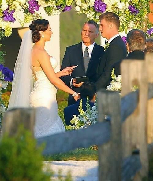 Actress wedding photo gallery Nick Carter and Lauren Kitt