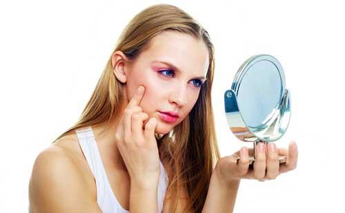 Como tapar y disimular las ojeras con maquillaje