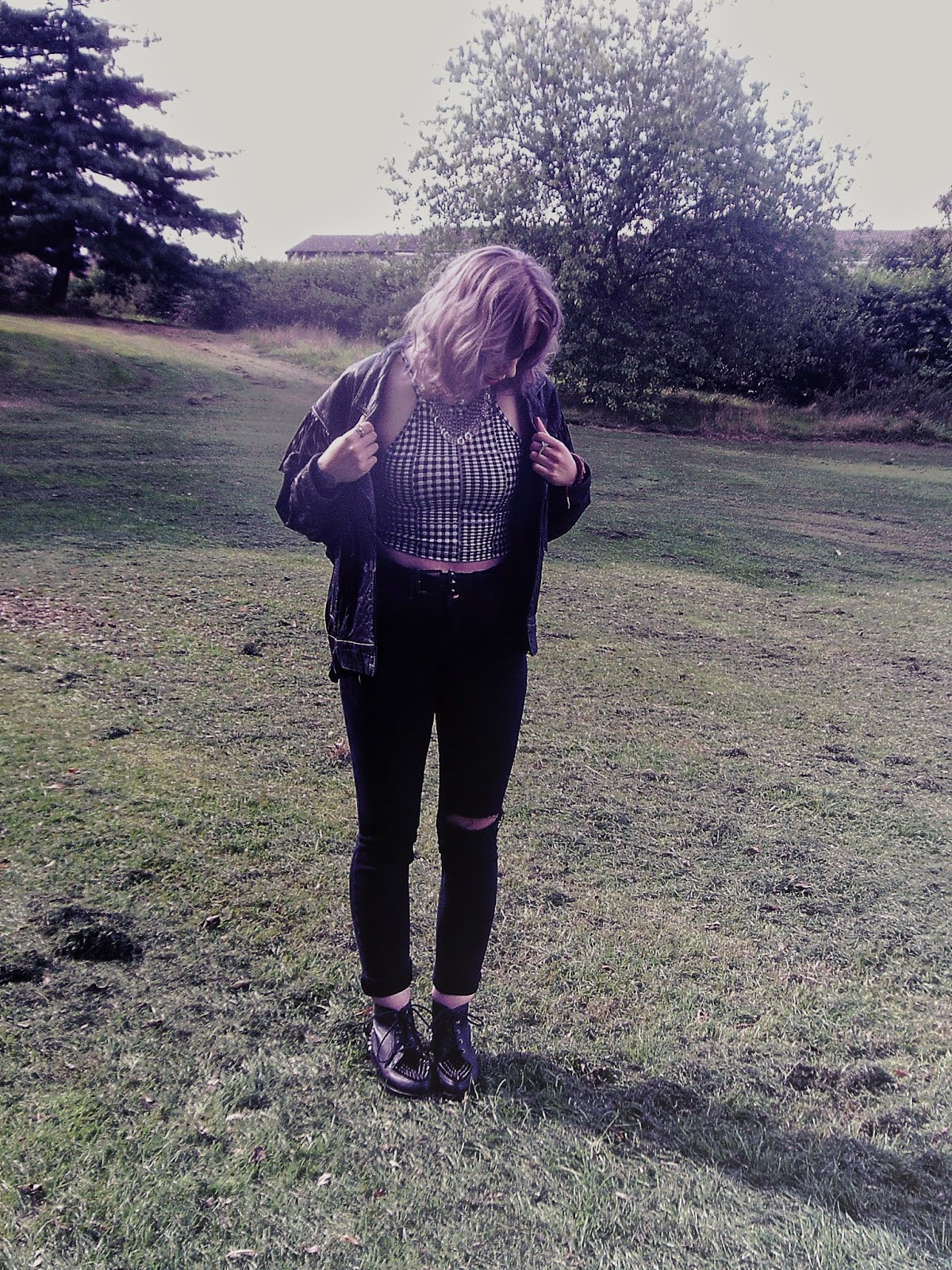 90's, 90's grunge, 90's fashion, 90's style, gingham top, ripped jeans, black skinny jeans, choker, leather jacket, fringed leather jacket, fringed jacket, platform boots, lilac hair