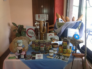 Taula exposició productes elaborats a l´Alta Ribagorça.