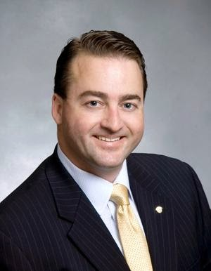 Hume First Elk Grove City Council Member to File 2014 Financial Disclosure