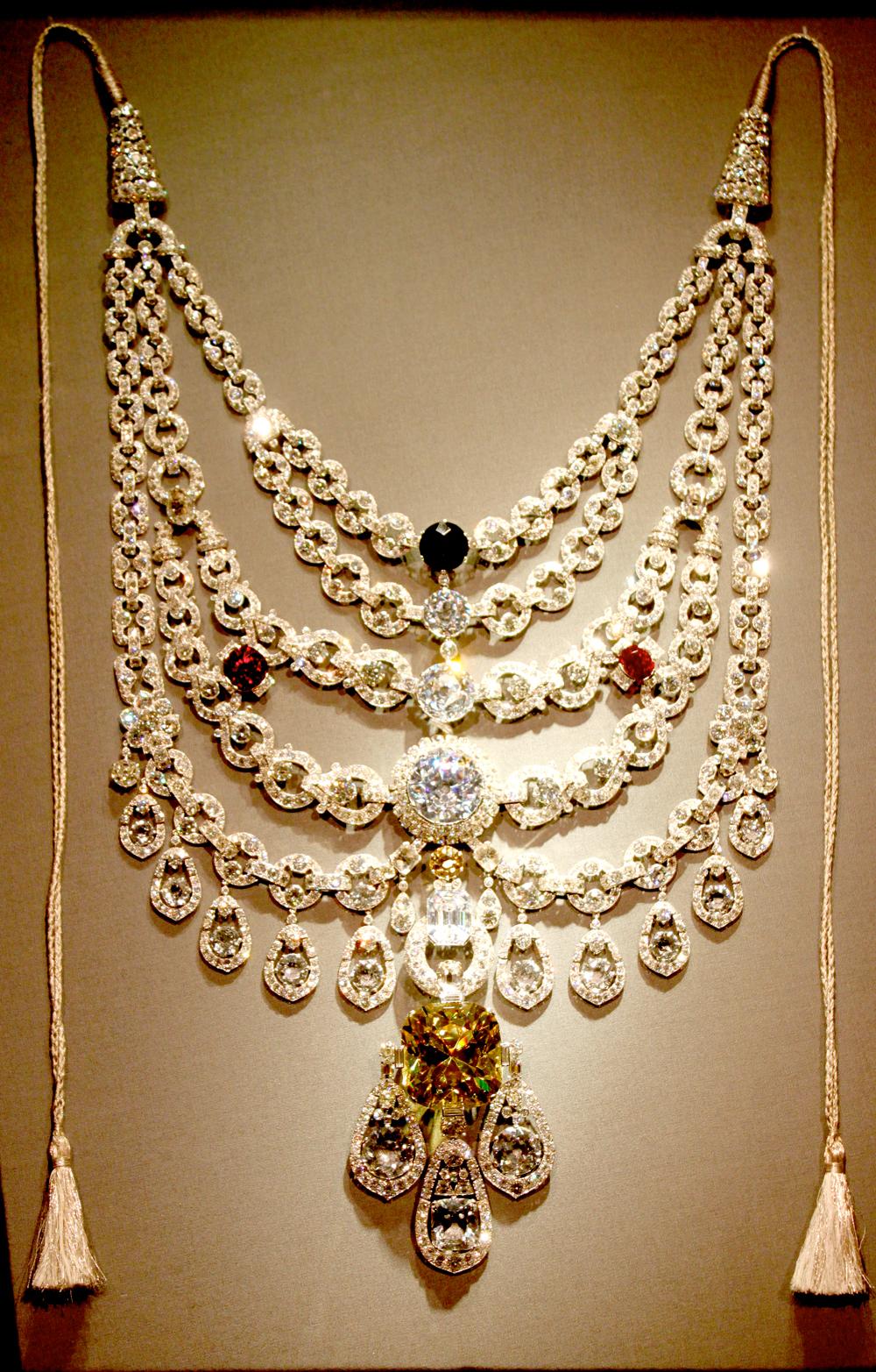 Fashion Metropolitan: India´s Royal Jewels. The current ...
