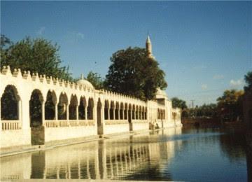 Masjid Tempat lahirnya Nabi Ibrahim Turki