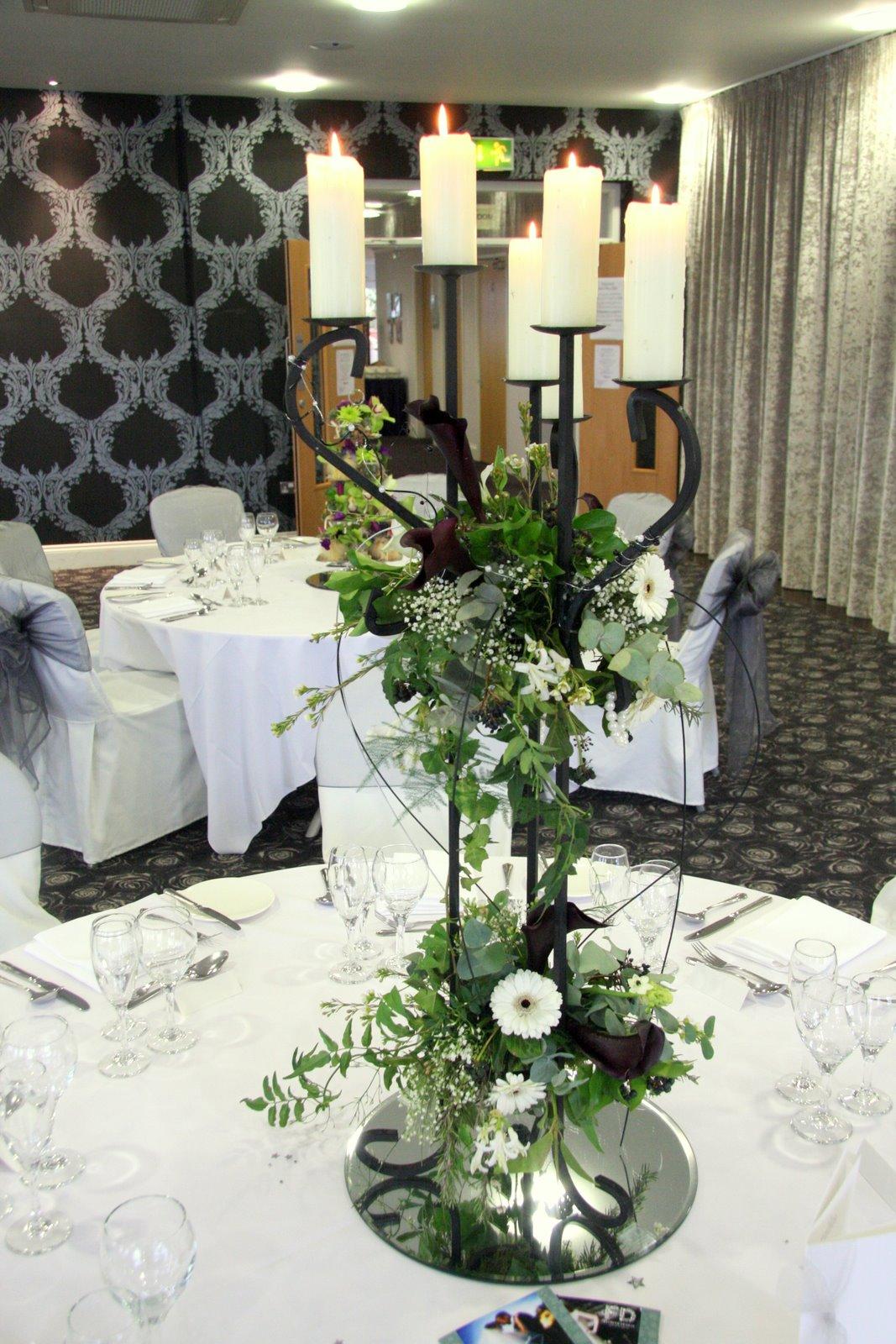 Flower design table centrepieces black white two tier for Black table centrepieces