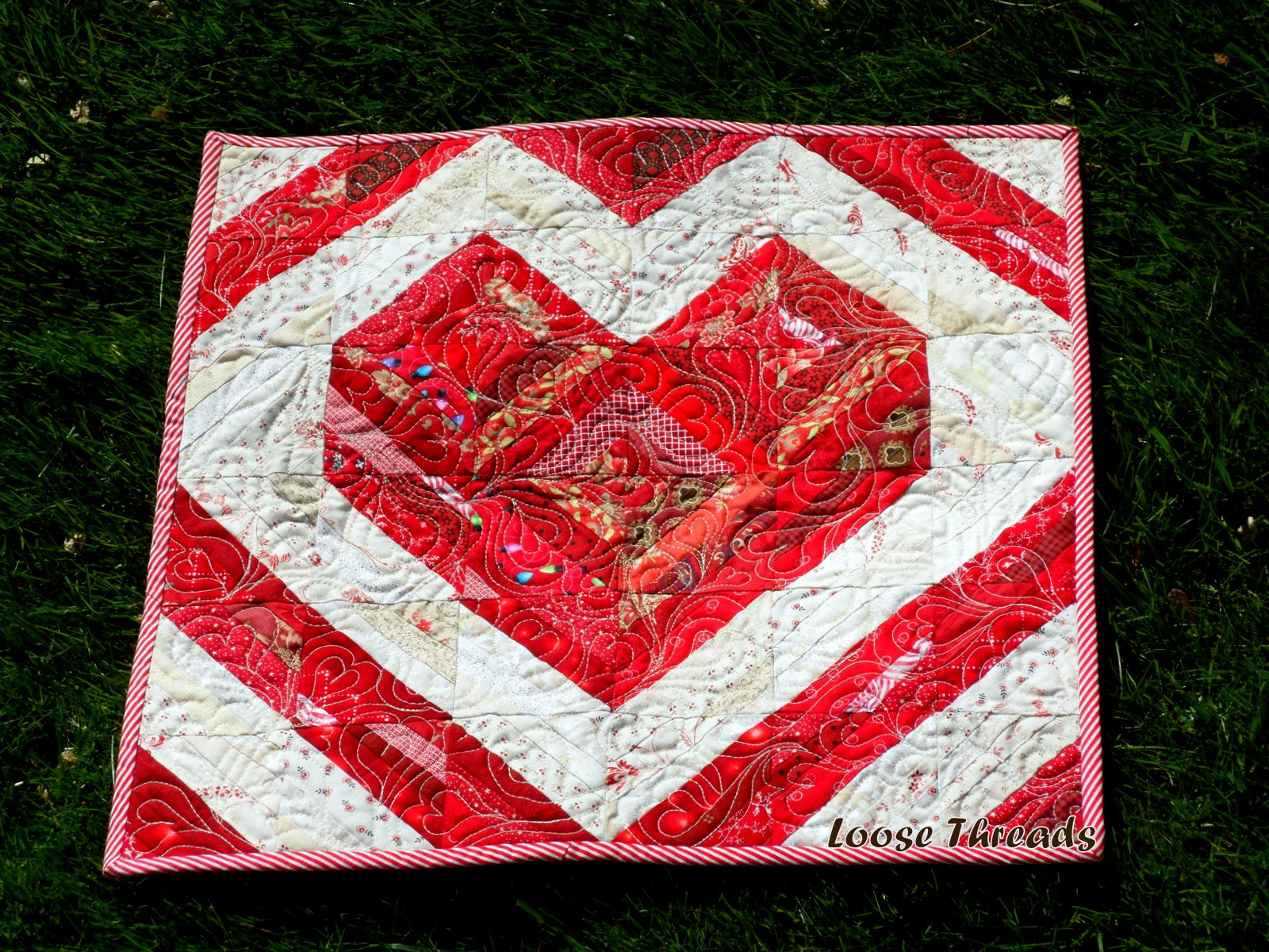 Loose Threads Valentine Heart Table Toppers Finished