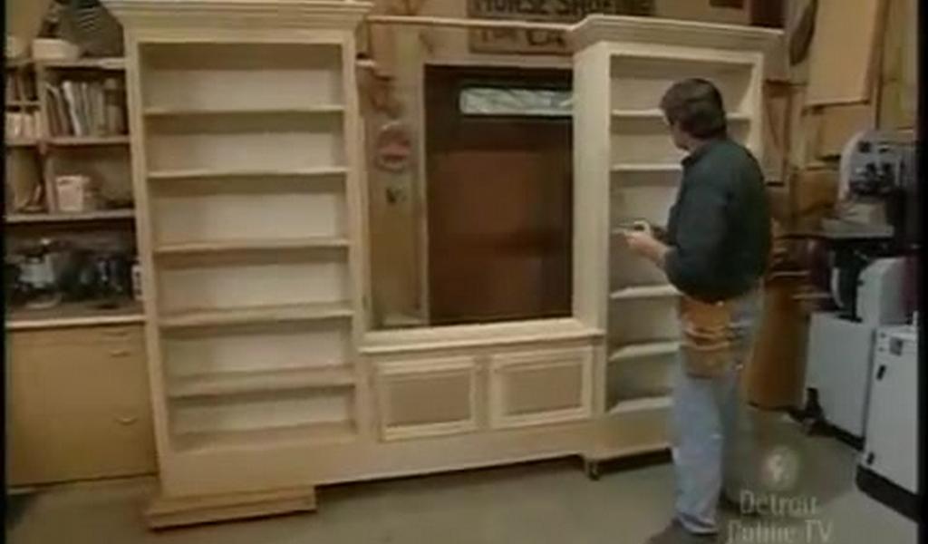 Como hacer mueble para tv de madera for Fabricar muebles