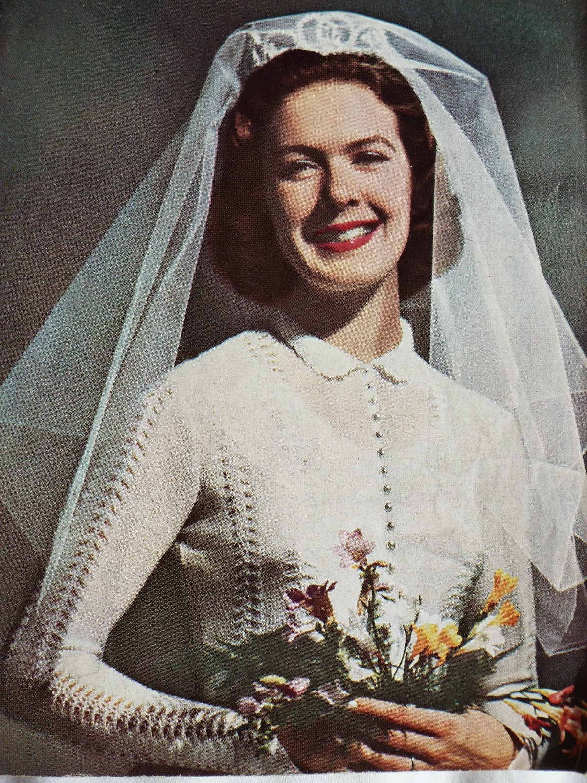 What Kate-Em did next.: Knit and crochet away for your wedding day.