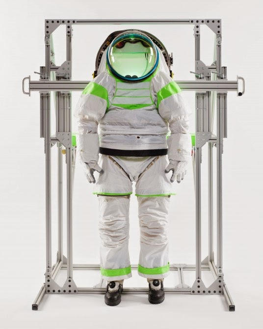 2014 nasa z-2 spacesuit contest winning design