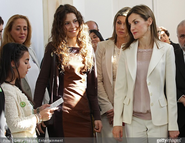 Director of Feder Alba Ancochea, Government Delegate in Catalonia Llanos de Luna and Queen Letizia of Spain listen to a girl speak as they attend the 2nd Congress of Rare Childhood Diseases at CosmoCaixa