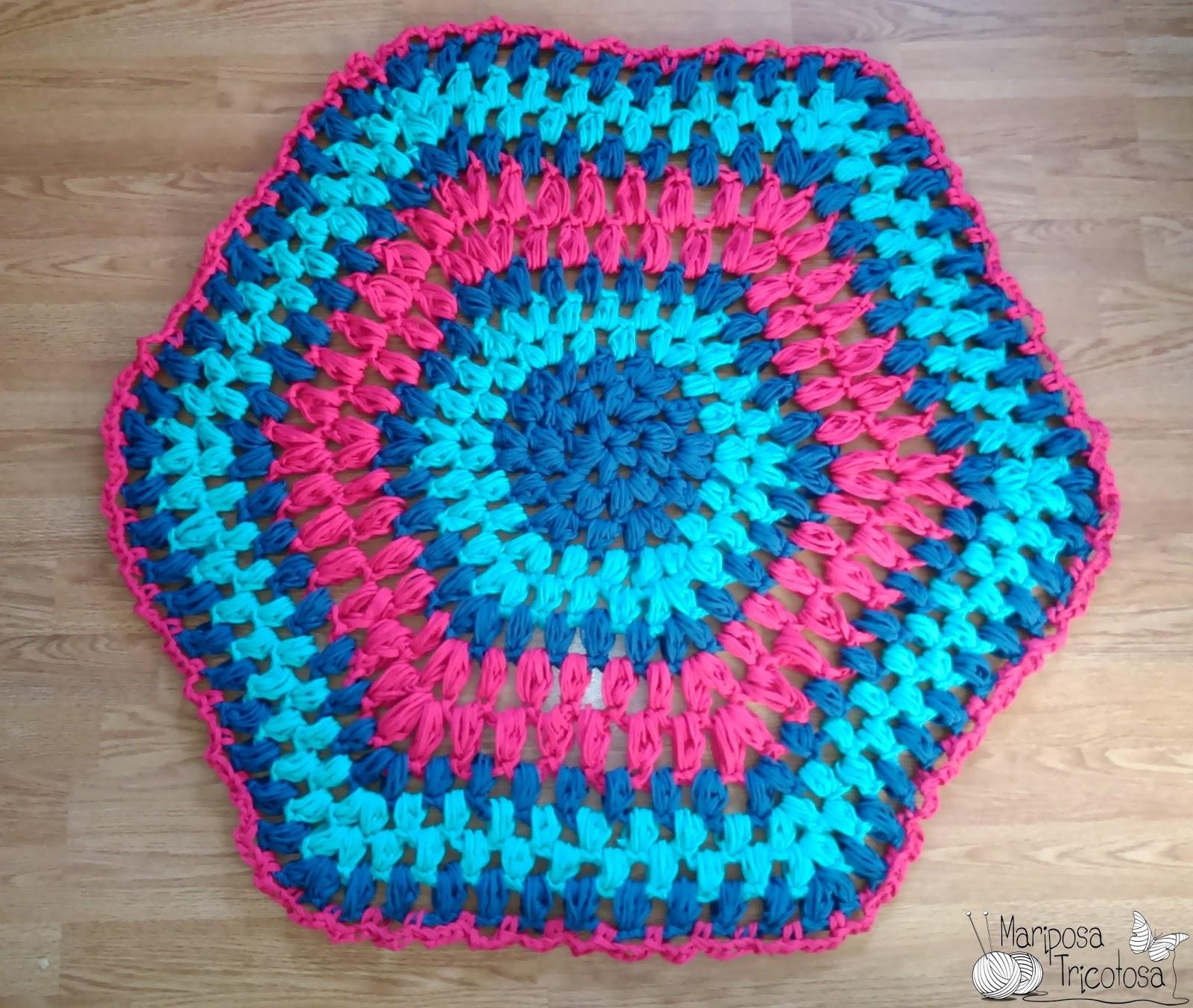 mariposa tricotosa: De regalo para Reyes alfombra de trapillo!!!