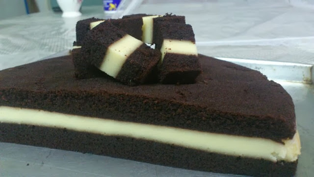 Kek Coklat Kukus Lapis Cream Cheese