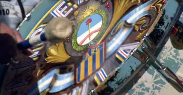 En el minuto 2:52 del video oficial We Are One del Mundial Brasil 2014, aparece el famoso bombo del Tula con el escudo del Club Atlético Rosario Central! Vamos Canalla!