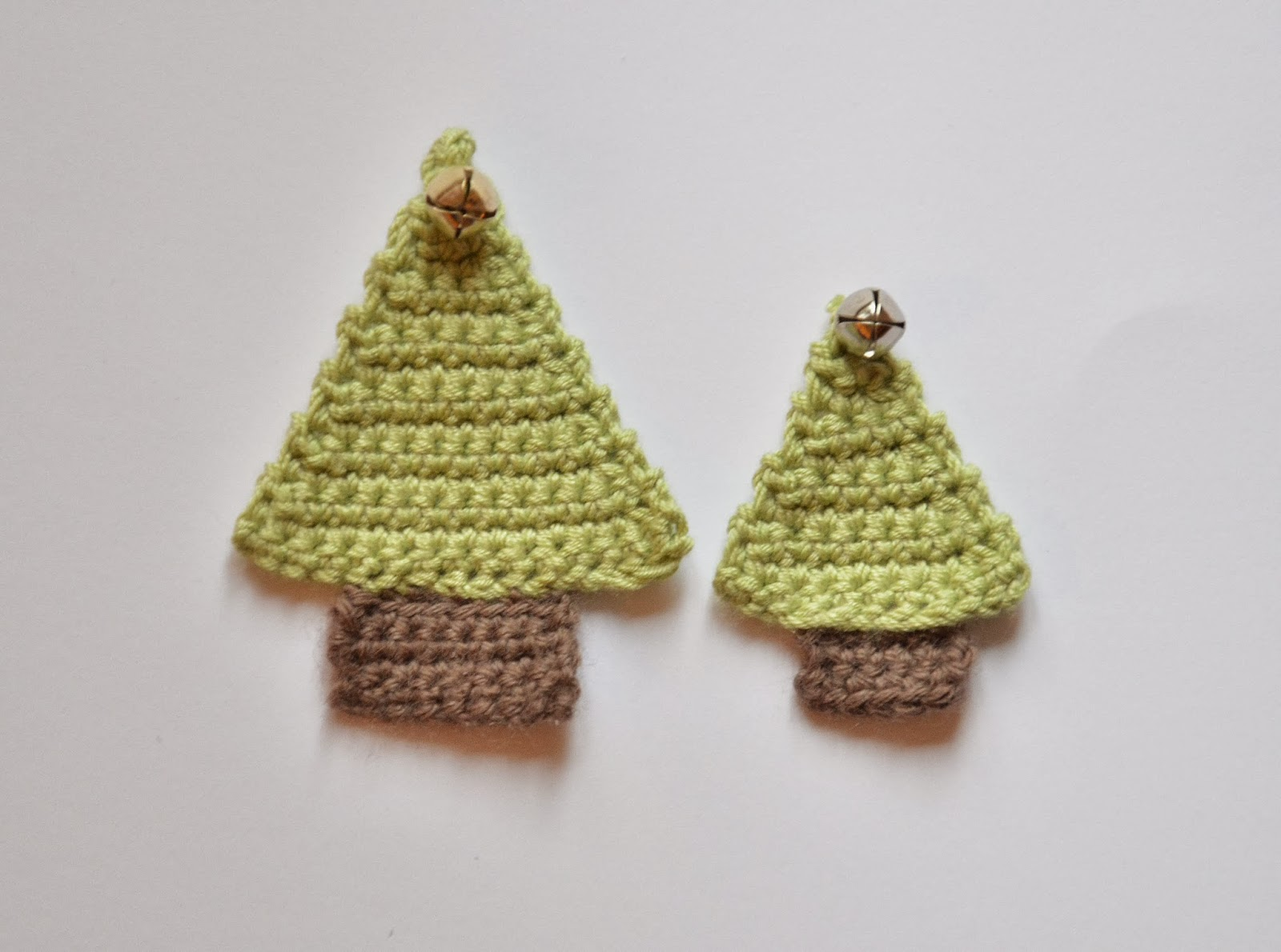 Chrissie Crafts: Crochet-A-Long: A Little Christmas Tree Pattern