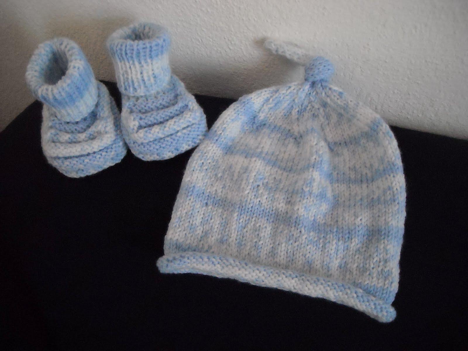 Popolare basta un filo.. lavori a maglia per bambini: SCARPINE MON  PT66