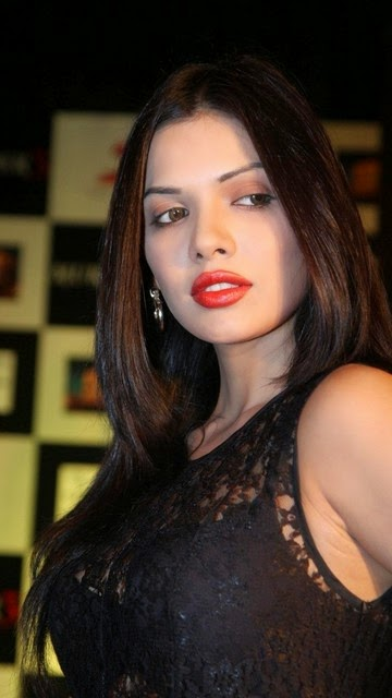 Bollywood Sara Loren Actress - Most Beautiful Photos