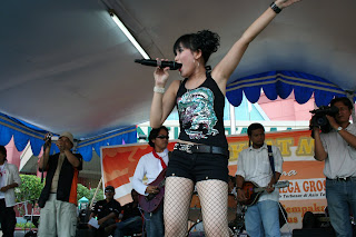 And this is photo of Ayu ting ting :
