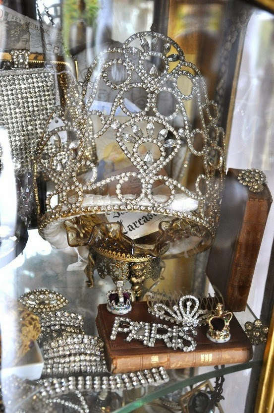 nothing lovelier than crown clutter...