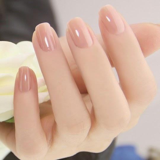 Use Nail Polish Colours Matching Your Skin/نیل پالش کا استعمال ...