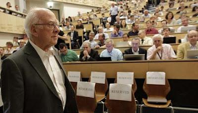 Peter Higgs, Pencetus Partikel Tuhan