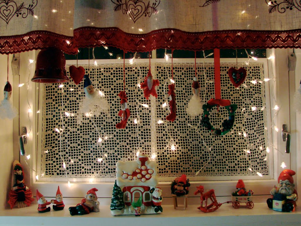 Blog christmas decoration ideas for Christmas window mural