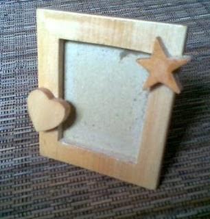 Tips Membuat Bingkai Foto dari Kardus Bekas