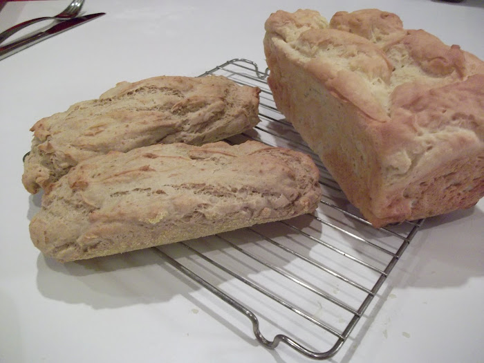 Sorghum French loaf/Classic White bread