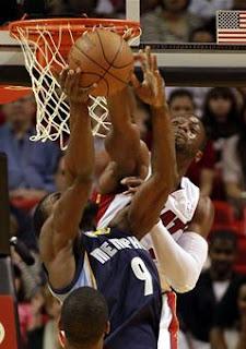 Miami Heat, Chris Bosh, LeBron James, NBA, Detroit Pistons, Dwyane Wade, Tracy McGrady LeBron James, Dwyane Wade, Chris Bosh, LeBron James, 2010-11 Miami Heat season, Sports