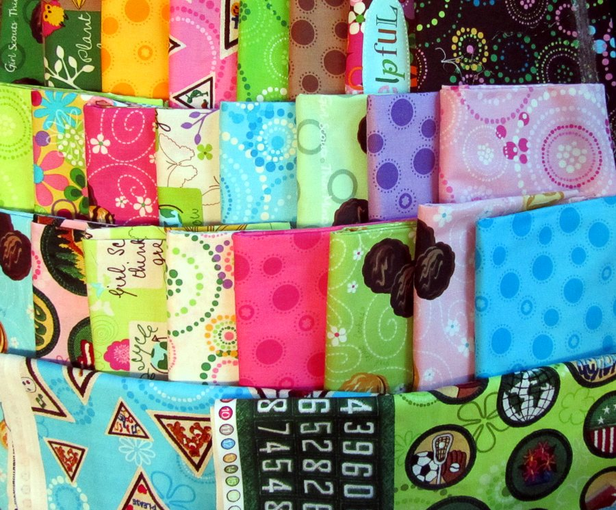 Quilts + Color: The Potato Chip Quilt - Tutorial - What Ifs And ... : quilt color ideas - Adamdwight.com