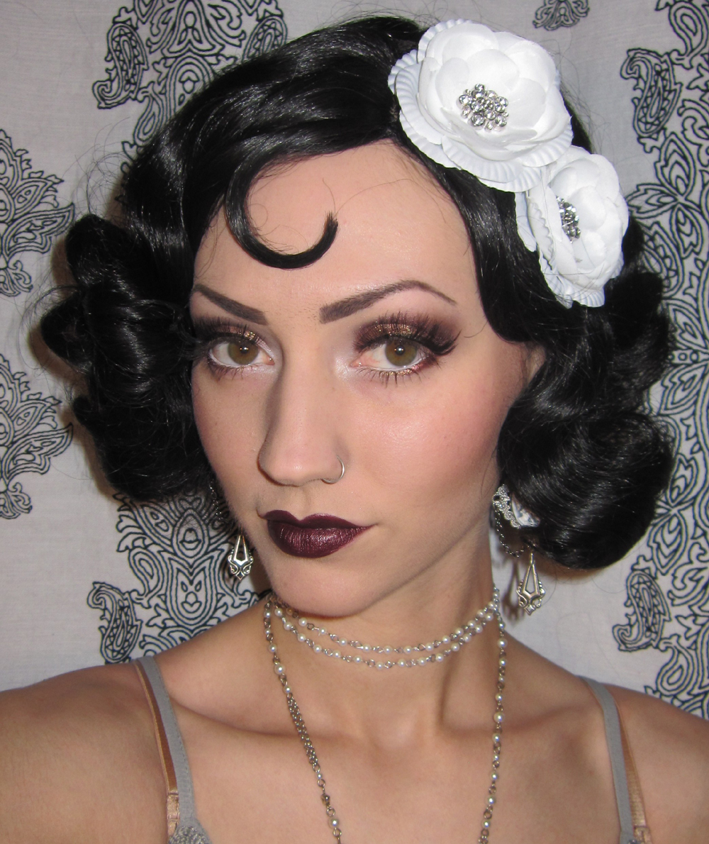 Glitter is my crack...: 1920u0026#39;s Flapper Makeup/Costume look + Halloween ...