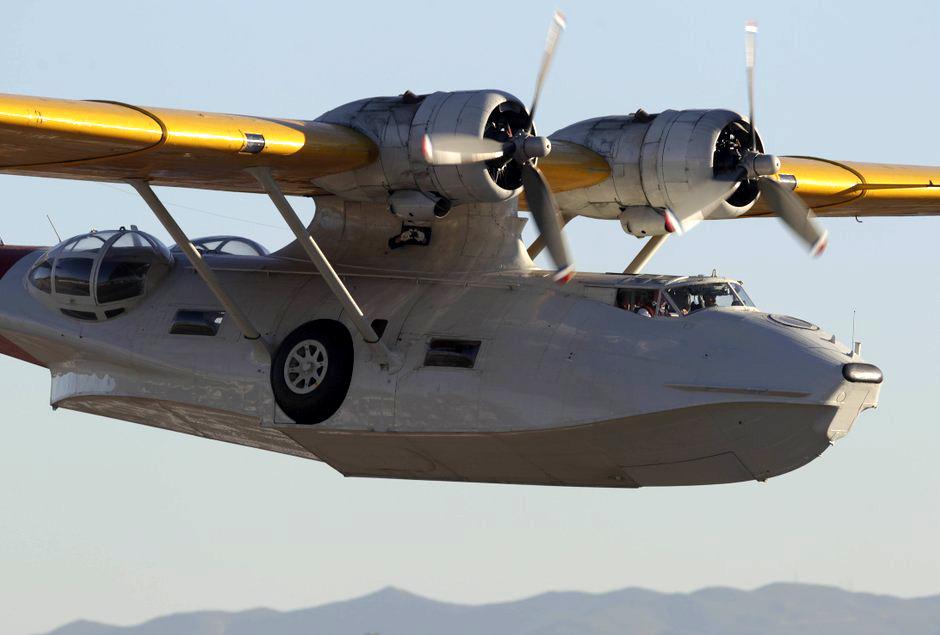 Today A WW2 PBY Catalina Patrol Plane Was Flown Into San Diego