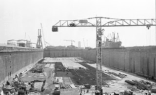 A construction site old Dubai rare photo