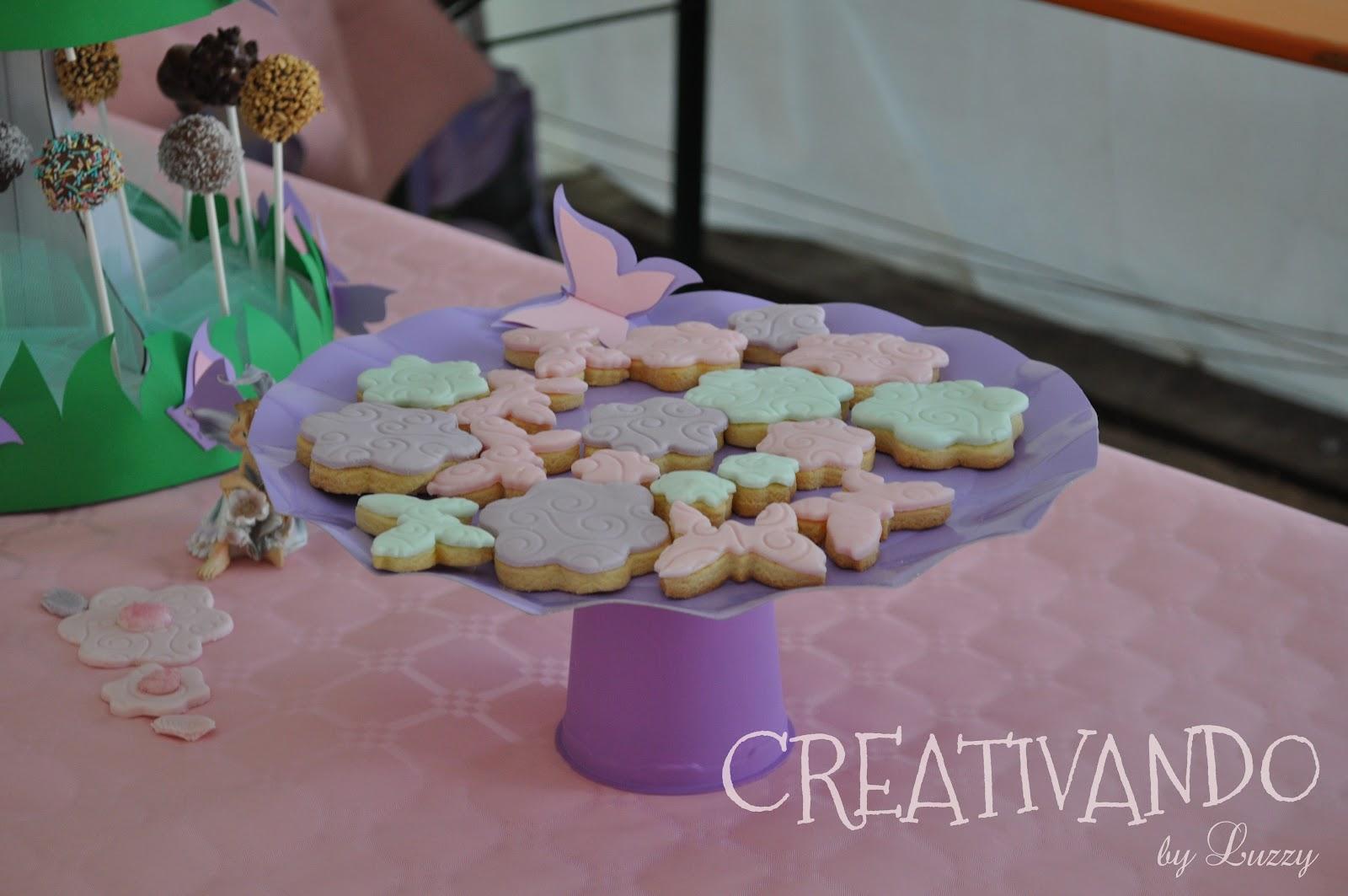 Dolci alzatina creativo : CREATIVANDO: Biscotti di frolla rivestiti con pasta di zucchero