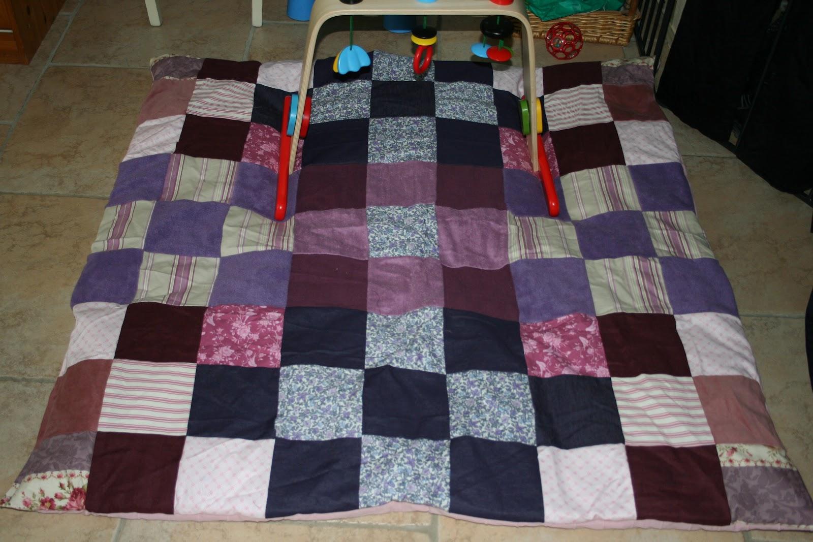 kanellad et petits pois un tapis de jeux pour ma poulette. Black Bedroom Furniture Sets. Home Design Ideas