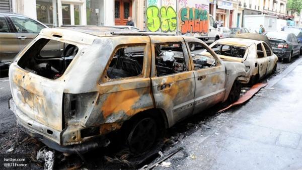 Más de 600 arrestos durante celebraciones en Francia por año nuevo