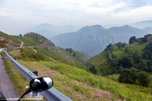 Descenso del Alto del Caracol hacia La Pedrosa
