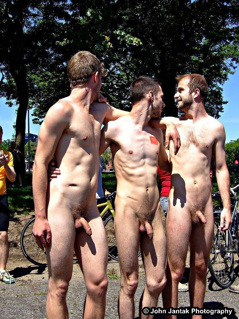 http://4.bp.blogspot.com/-Yytcsvhm3vI/UGQrpRBku8I/AAAAAAAByC0/1xJL2YBh3Mo/s1600/ThreeAmigos.jpg