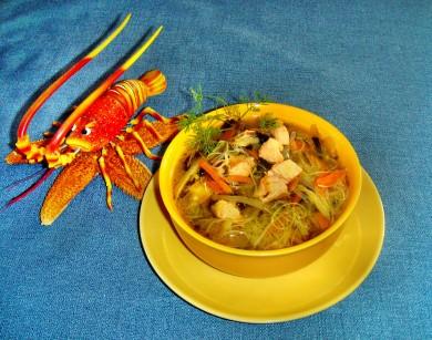 Zupa z łososia z nutką Orientu.