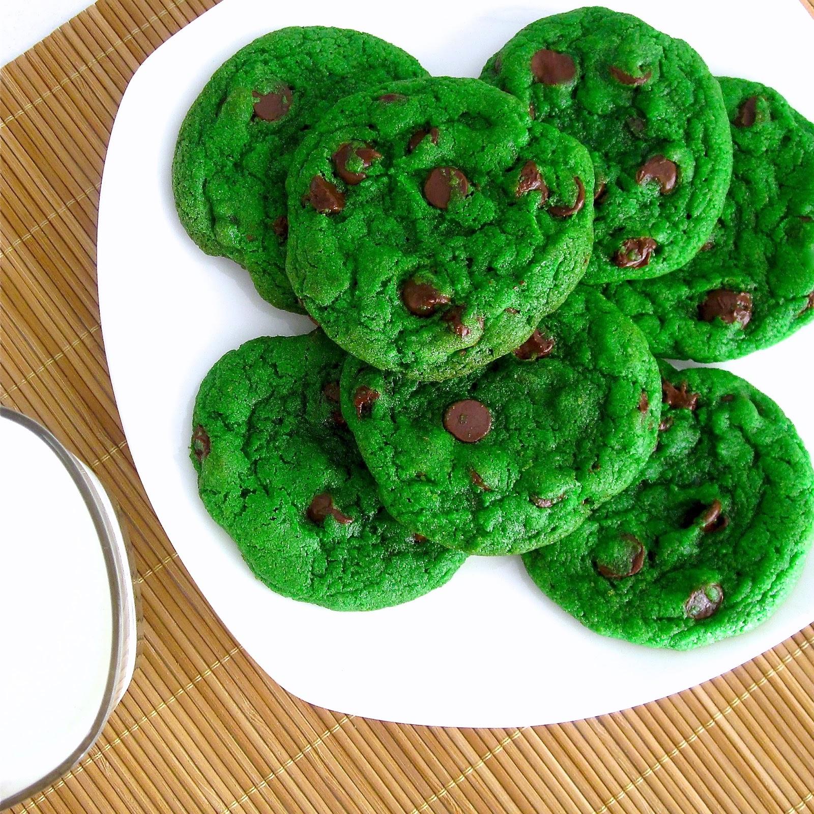 Mint Chocolate Chip Cookies - Lindsay Ann Bakes