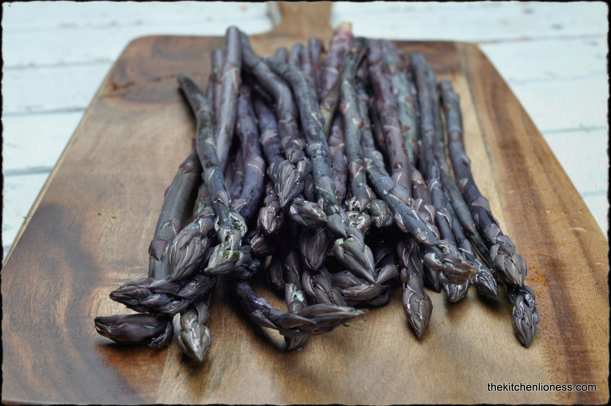 The Kitchen Lioness: Tarte flambée with Purple Asparagus - Lila ...